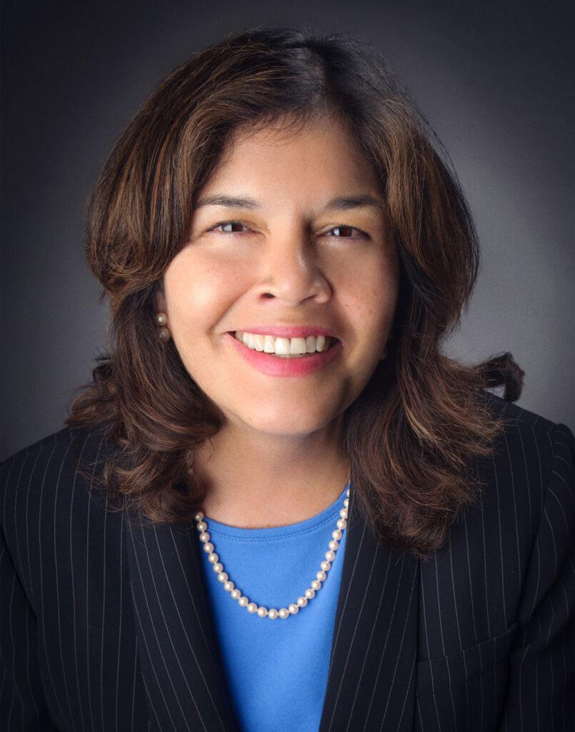 Anna Solís; Senior Analyst